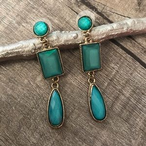 Turquoise & Gold Tone Earrings
